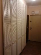 Výroba a montáž vestavěné skříně v předsíni soukromého bytu