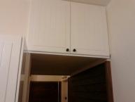 Vyřešení úložného prostoru nad průchodem z kuchyně do předsíně
