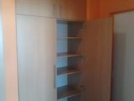 Výroba a montáž vestavěné skříně v soukromém bytě