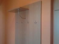 Výroba a montáž předsíňové stěny v soukromém bytě