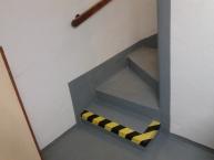 oprava a nátěr schodiště, výroba a montáž zábradlí