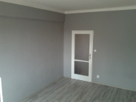 Výmalba soukromého bytu a montáž plovoucích podlah